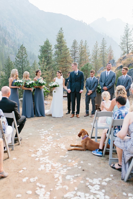 Grey and White Wedding in the Mountains of Leavenworth, Washington | Sleeping Lady | Classic and Timeless Wedding | VSCO | Leavenworth Wedding Ceremony at Sleeping Lady.jpg-1174.jpg