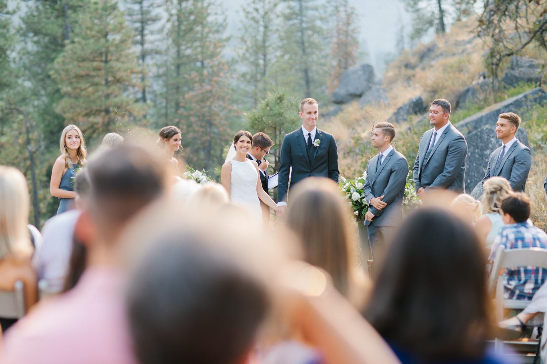 Grey and White Wedding in the Mountains of Leavenworth, Washington | Sleeping Lady | Classic and Timeless Wedding | VSCO | Leavenworth Wedding Ceremony at Sleeping Lady.jpg-2978.jpg
