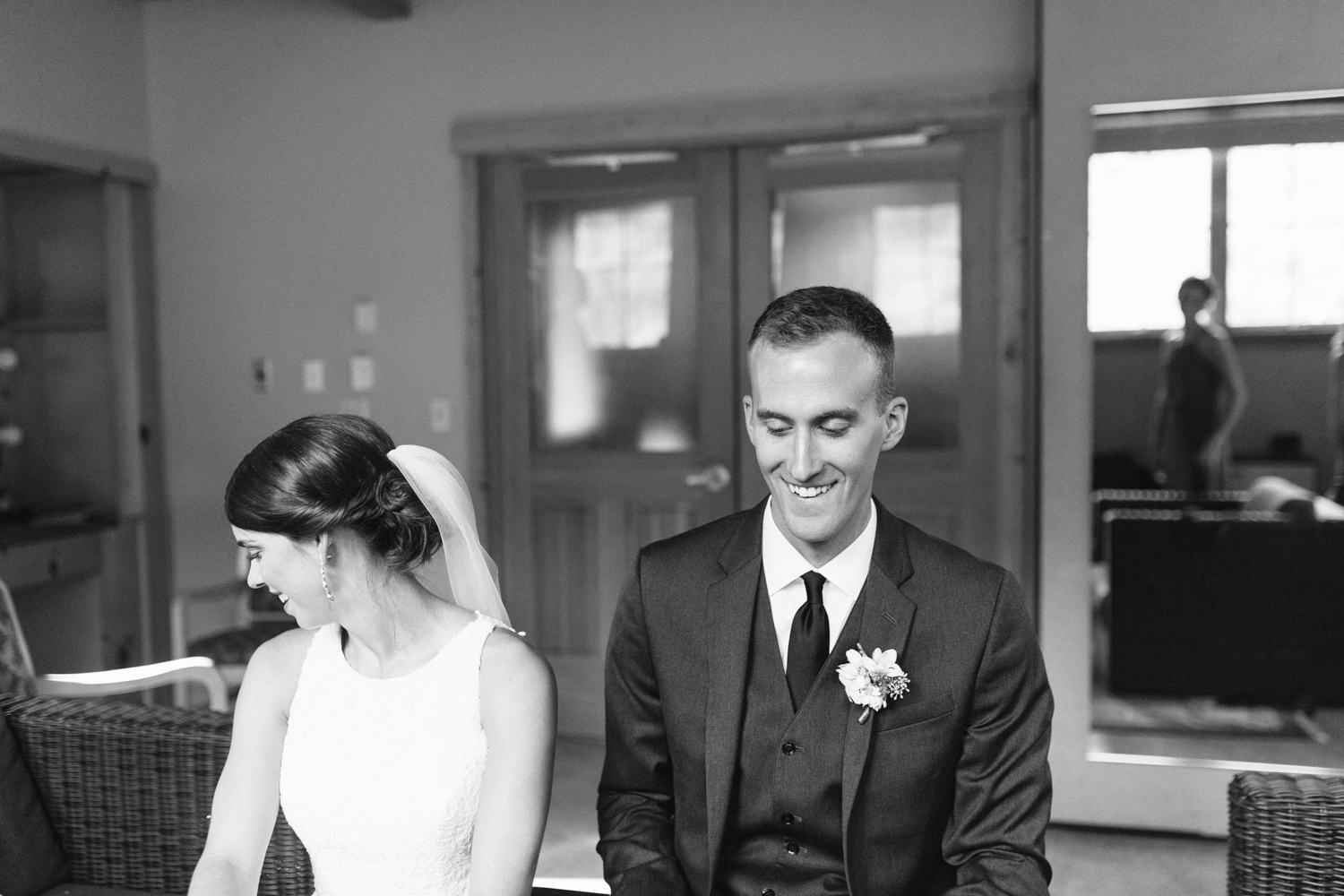 Grey and White Wedding in the Mountains of Leavenworth, Washington | Sleeping Lady | Classic and Timeless Wedding | VSCO | Signing of Certificate Black and White.jpg-3134.jpg