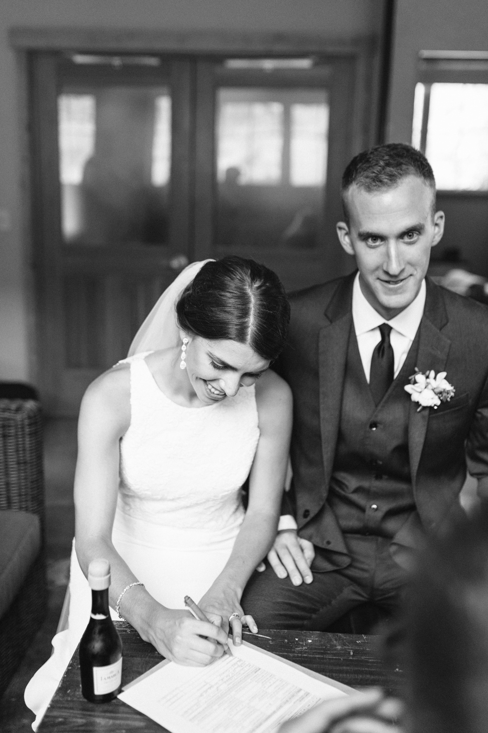Grey and White Wedding in the Mountains of Leavenworth, Washington | Sleeping Lady | Classic and Timeless Wedding | VSCO | Signing of Certificate Black and White.jpg-3142.jpg