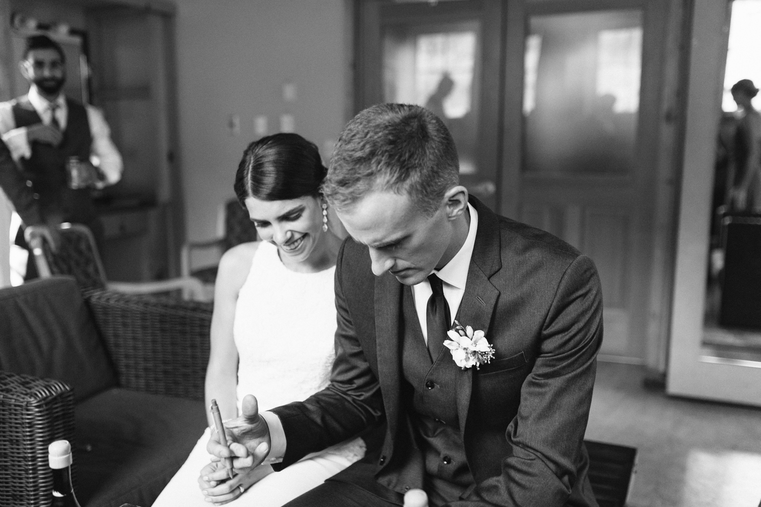 Grey and White Wedding in the Mountains of Leavenworth, Washington | Sleeping Lady | Classic and Timeless Wedding | VSCO | Signing of Certificate Black and White.jpg-3146.jpg