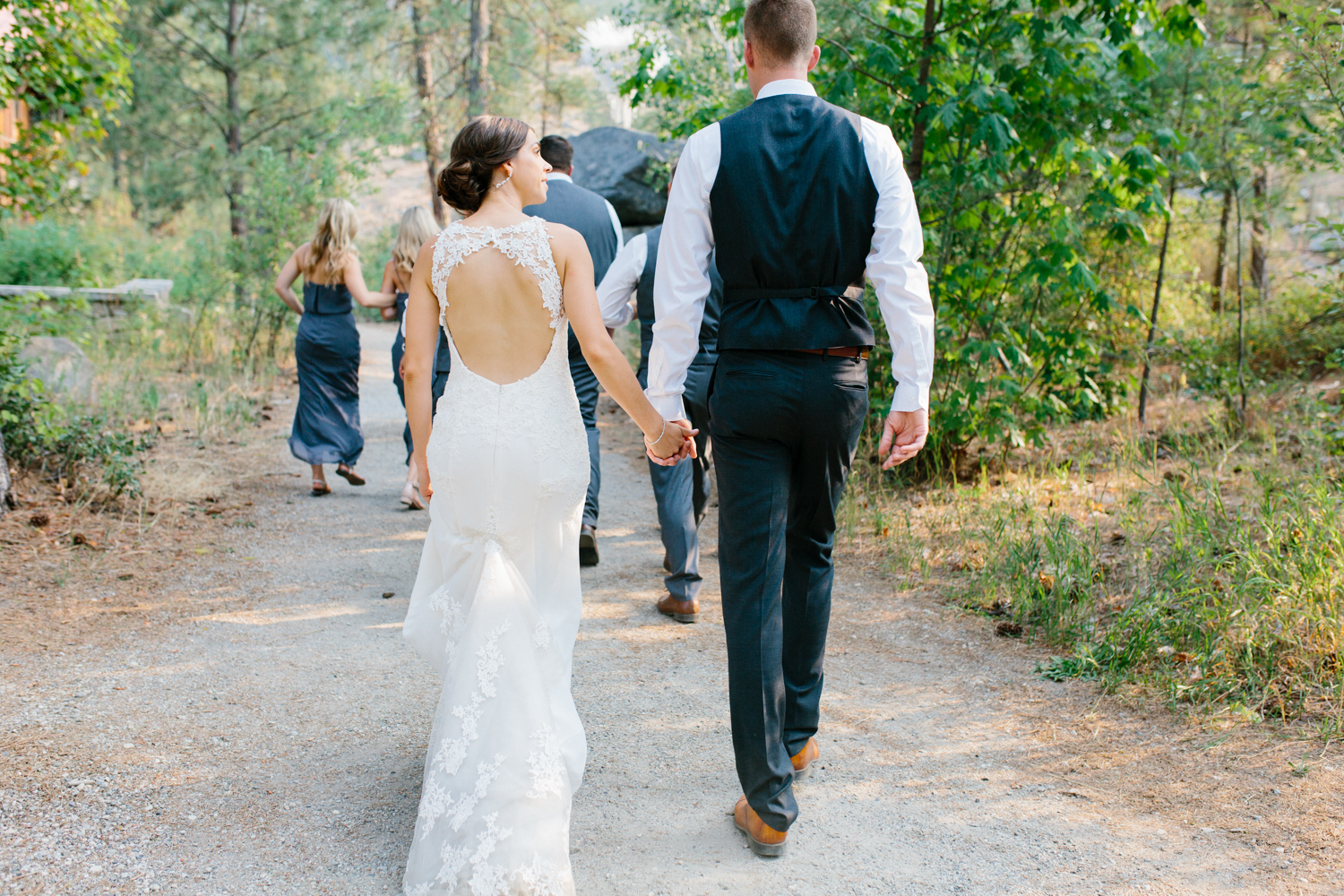 Grey and White Wedding in the Mountains of Leavenworth, Washington | Sleeping Lady | Classic and Timeless Wedding | VSCO | Sleeping Lady Wedding Reception.jpg-1323.jpg