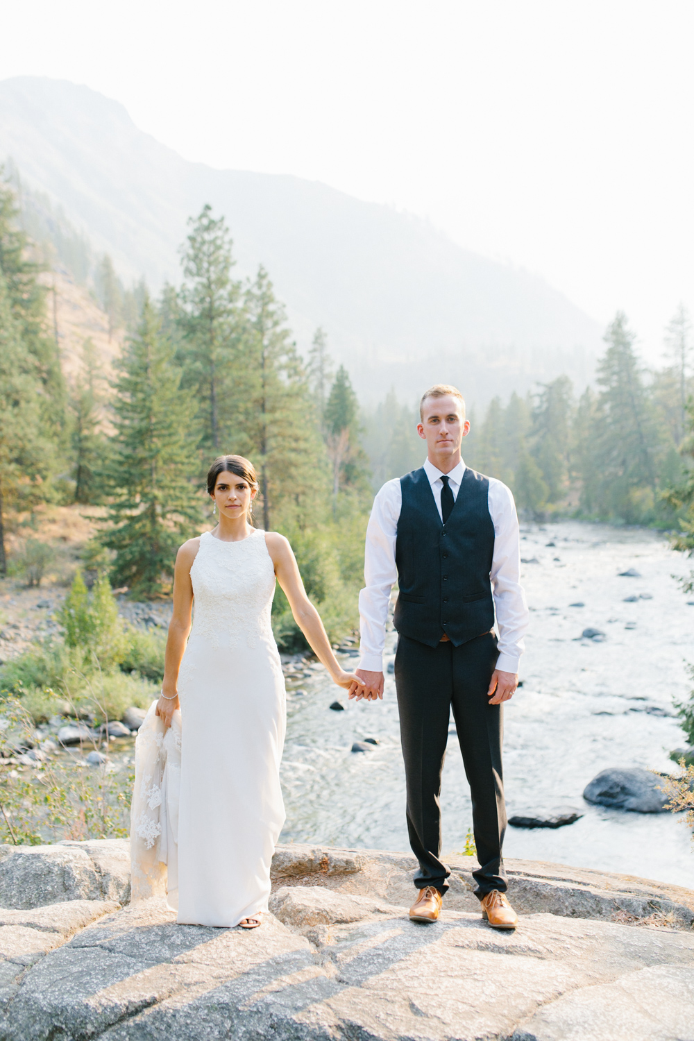 Grey and White Wedding in the Mountains of Leavenworth, Washington | Sleeping Lady | Classic and Timeless Wedding | VSCO | Stunning Mountain Top Bride and Groom Portraits on the Icicle River.jpg-3379.jpg