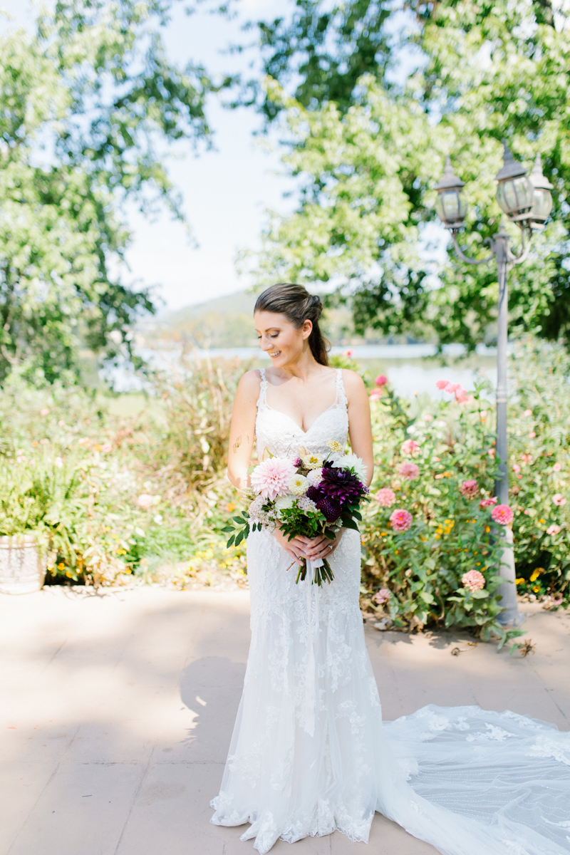 Southern Wedding | Tennessee River Place Wedding Chattanooga TN | Emma Rose Company | Wedding in the South | Gorgeous Bridal Portraits | VSCO | Southern Bride-6.jpg