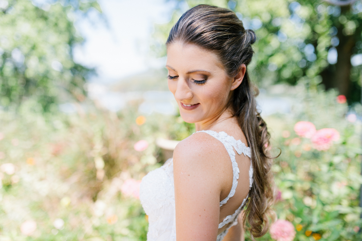 Southern Wedding | Tennessee River Place Wedding Chattanooga TN | Emma Rose Company | Wedding in the South | Gorgeous Bridal Portraits | VSCO | Southern Bride-8.jpg