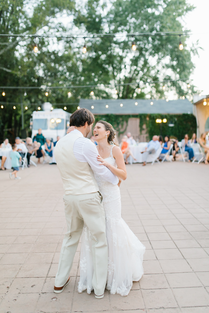 Southern Wedding | Tennessee Wedding Reception by the River |Tennessee River Place Wedding Chattanooga TN | Emma Rose Company | Wedding in the South | VSCO | Southern Bride-26.jpg
