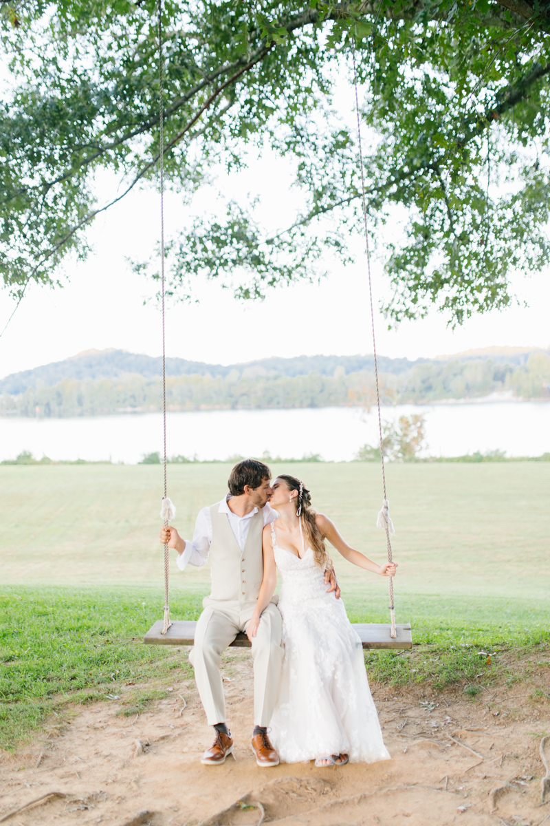 Southern Wedding | Bride and Groom Sunset Portraits by the River | Green field sunset portraits |Tennessee River Place Wedding Chattanooga TN | Emma Rose Company | Wedding in the South | VSCO | Southern Bride-18.jpg