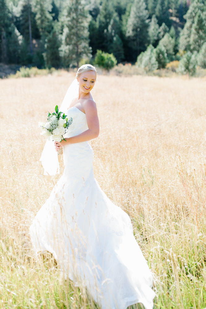 Hampton Hideaway | Wenatchee, Washington | A Fall Blush Wedding | VSCO | Emma Rose Company | Seattle Wedding Photographer Light and Airy | PNW Wedding-7.jpg