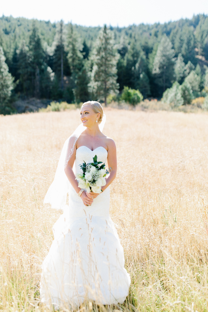 Hampton Hideaway | Wenatchee, Washington | A Fall Blush Wedding | VSCO | Emma Rose Company | Seattle Wedding Photographer Light and Airy | PNW Wedding-8.jpg