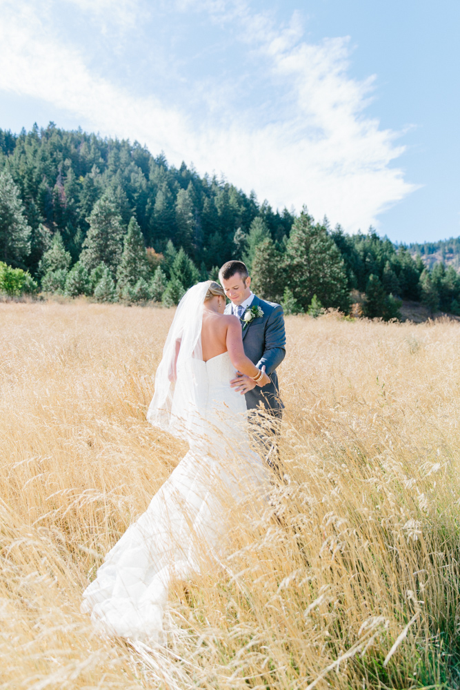 Hampton Hideaway | Wenatchee, Washington | A Fall Blush Wedding | VSCO | Emma Rose Company | Seattle Wedding Photographer Light and Airy | PNW Wedding-10.jpg