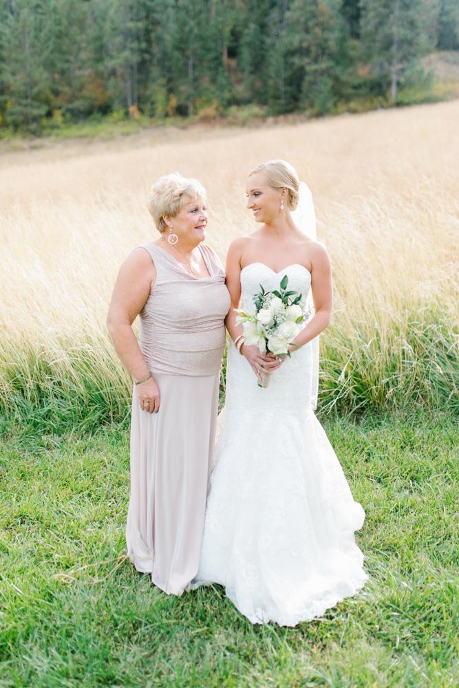 Hampton Hideaway | Wenatchee, Washington | A Fall Blush Wedding | VSCO | Emma Rose Company | Seattle Wedding Photographer Light and Airy | PNW Wedding-29.jpg