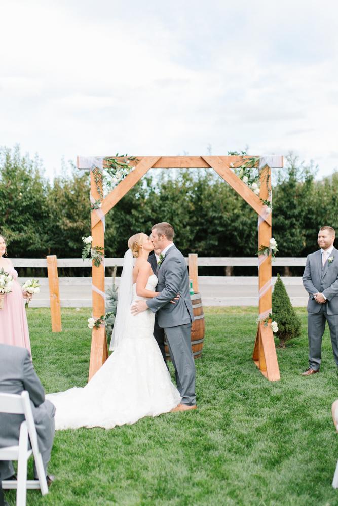 Hampton Hideaway | Wenatchee, Washington | A Fall Blush Wedding | VSCO | Emma Rose Company | Seattle Wedding Photographer Light and Airy | PNW Wedding-40.jpg