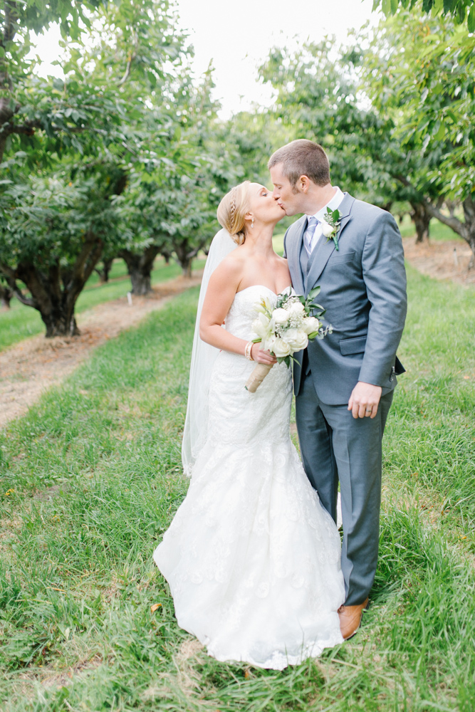 Hampton Hideaway | Wenatchee, Washington | A Fall Blush Wedding | VSCO | Emma Rose Company | Seattle Wedding Photographer Light and Airy | PNW Wedding-43.jpg
