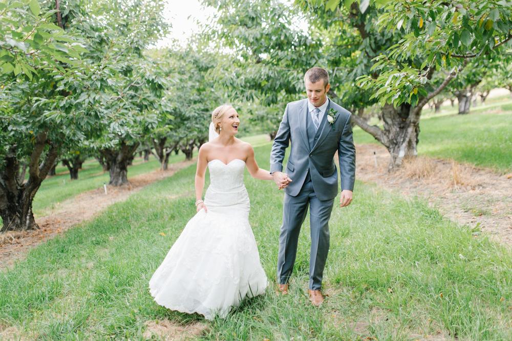 Hampton Hideaway | Wenatchee, Washington | A Fall Blush Wedding | VSCO | Emma Rose Company | Seattle Wedding Photographer Light and Airy | PNW Wedding-47.jpg