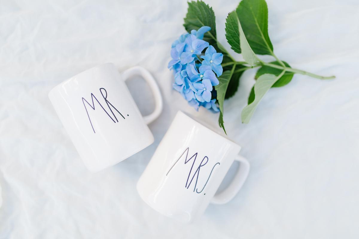Stunning Fall Washington Wedding | PNW Wedding | Seattle Wedding Photographer Light and Airy | VSCO | Emma Rose Company Photography | Hydrangea Wedding Dress | Wedding Details | Non Traditional Wedding Gown-2.jpg