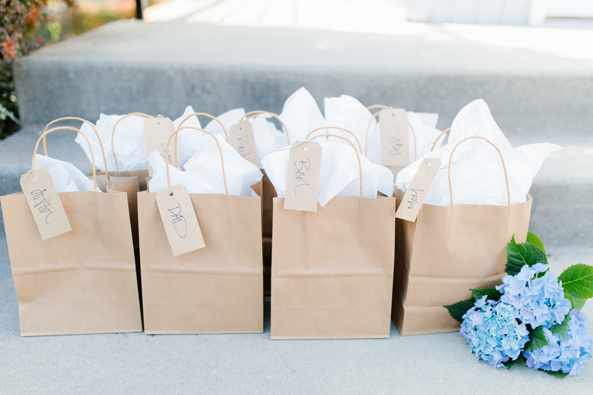 Stunning Fall Washington Wedding | PNW Wedding | Seattle Wedding Photographer Light and Airy | VSCO | Emma Rose Company Photography | Hydrangea Wedding Dress | Wedding Details | Non Traditional Wedding Gown-1.jpg