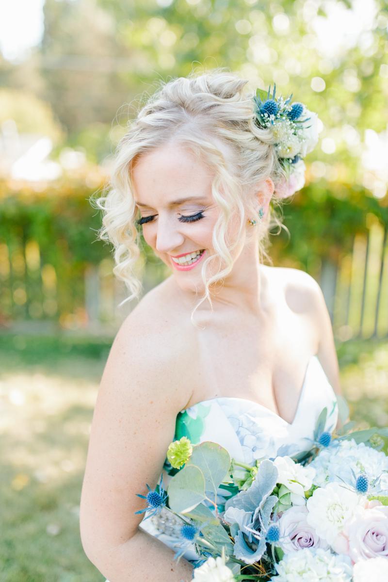 Stunning Fall Washington Wedding | PNW Wedding | Seattle Wedding Photographer Light and Airy | VSCO | Emma Rose Company Photography | Hydrangea Wedding Dress | Wedding Details | Non Traditional Wedding Gown-27.jpg
