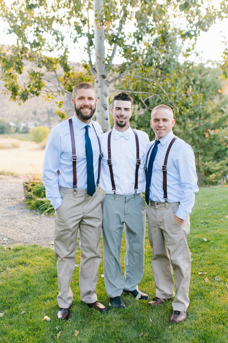 Stunning Fall Washington Wedding | PNW Wedding | Seattle Wedding Photographer Light and Airy | VSCO | Emma Rose Company Photography | Hydrangea Wedding Dress | Wedding Details | Non Traditional Wedding Gown-39.jpg