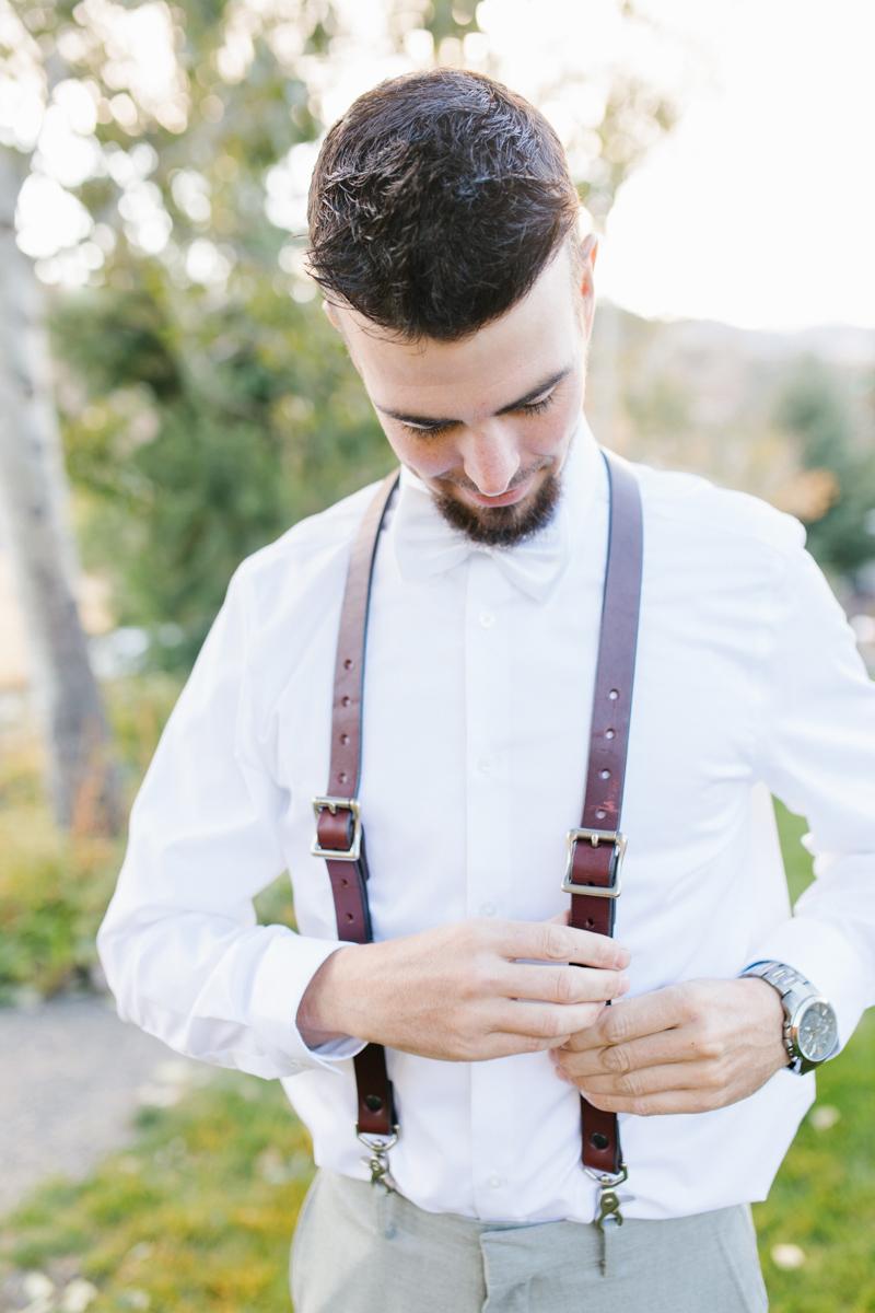 Stunning Fall Washington Wedding | PNW Wedding | Seattle Wedding Photographer Light and Airy | VSCO | Emma Rose Company Photography | Hydrangea Wedding Dress | Wedding Details | Non Traditional Wedding Gown-40.jpg