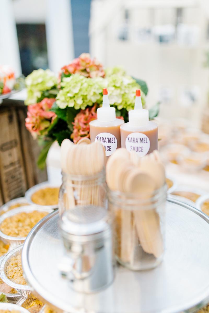 Stunning Fall Washington Wedding | PNW Wedding | Seattle Wedding Photographer Light and Airy | VSCO | Emma Rose Company Photography | Hydrangea Wedding Dress | Wedding Details | Non Traditional Wedding Gown-50.jpg