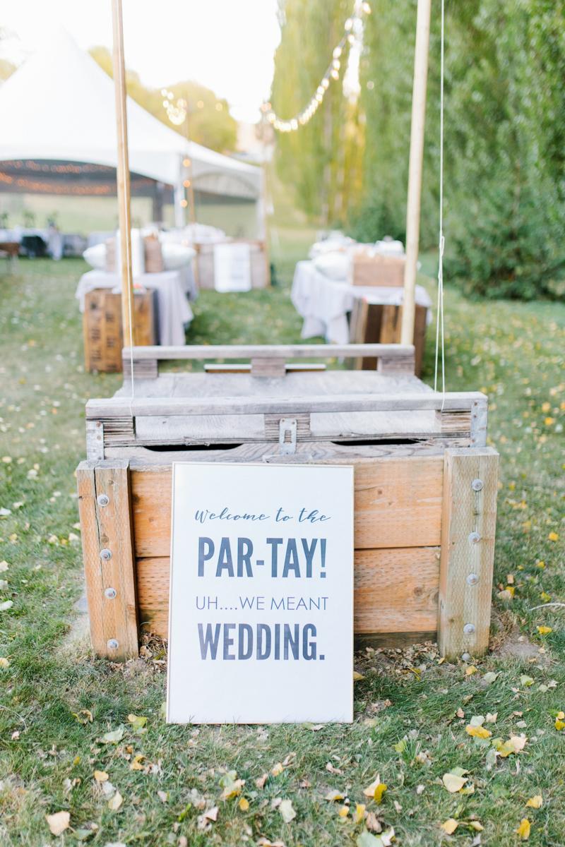 Stunning Fall Washington Wedding | PNW Wedding | Seattle Wedding Photographer Light and Airy | VSCO | Emma Rose Company Photography | Hydrangea Wedding Dress | Wedding Details | Non Traditional Wedding Gown-53.jpg