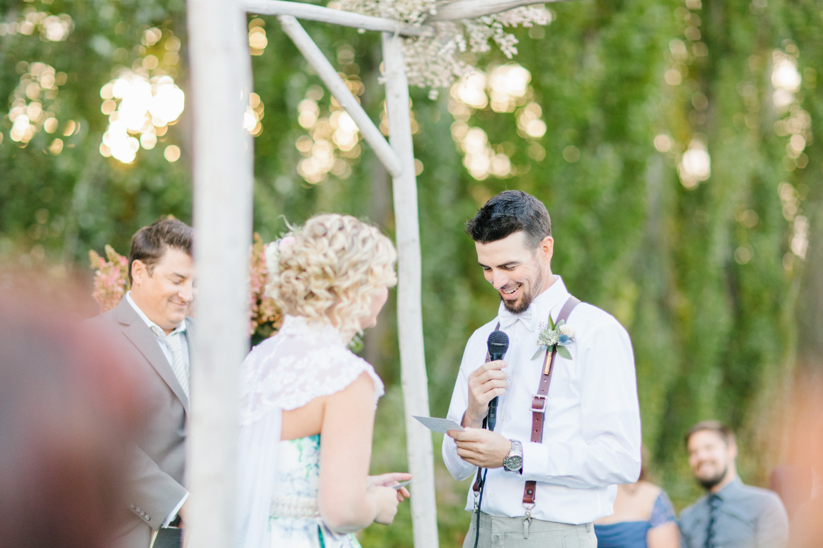 Stunning Fall Washington Wedding | PNW Wedding | Seattle Wedding Photographer Light and Airy | VSCO | Emma Rose Company Photography | Hydrangea Wedding Dress | Wedding Details | Non Traditional Wedding Gown-61.jpg