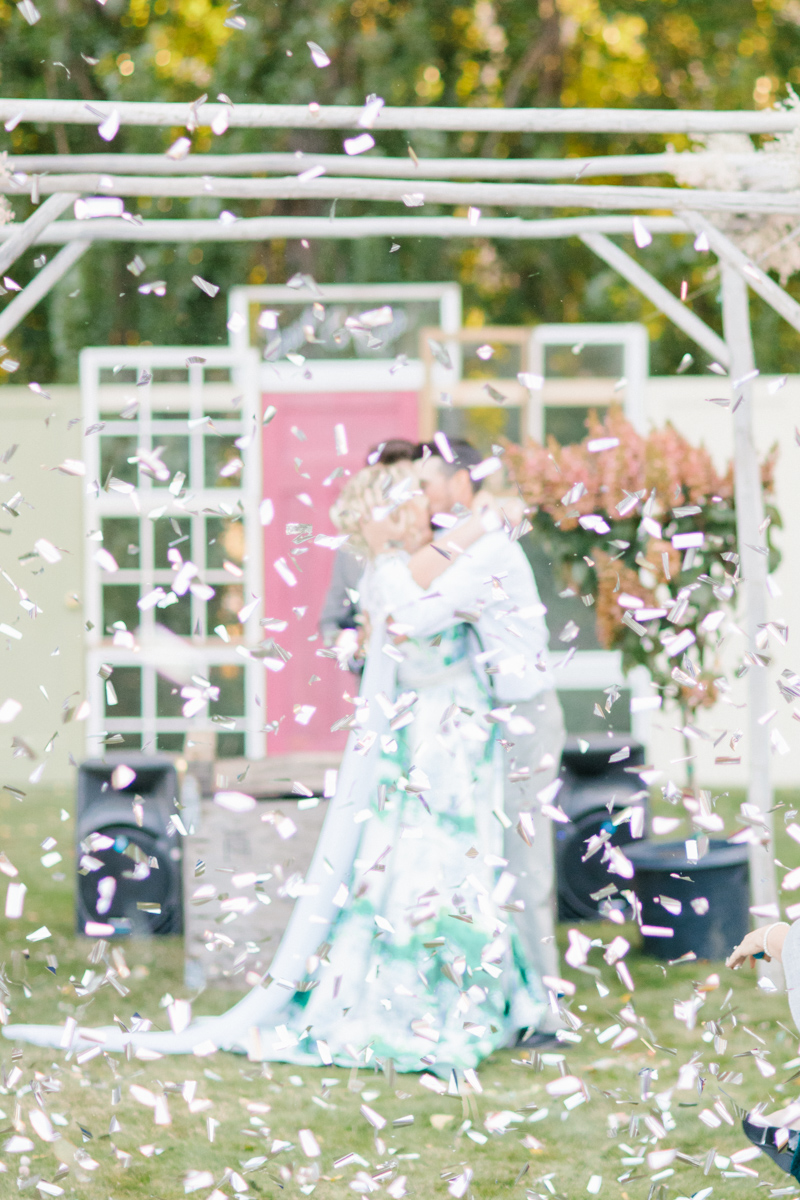 Stunning Fall Washington Wedding | PNW Wedding | Seattle Wedding Photographer Light and Airy | VSCO | Emma Rose Company Photography | Hydrangea Wedding Dress | Wedding Details | Non Traditional Wedding Gown-63.jpg