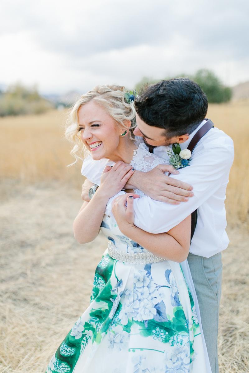 Stunning Fall Washington Wedding | PNW Wedding | Seattle Wedding Photographer Light and Airy | VSCO | Emma Rose Company Photography | Hydrangea Wedding Dress | Wedding Details | Non Traditional Wedding Gown-68.jpg