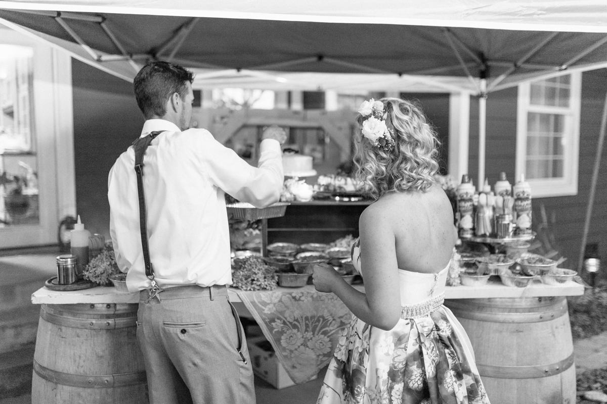 Stunning Fall Washington Wedding | PNW Wedding | Seattle Wedding Photographer Light and Airy | VSCO | Emma Rose Company Photography | Hydrangea Wedding Dress | Wedding Details | Non Traditional Wedding Gown-90.jpg
