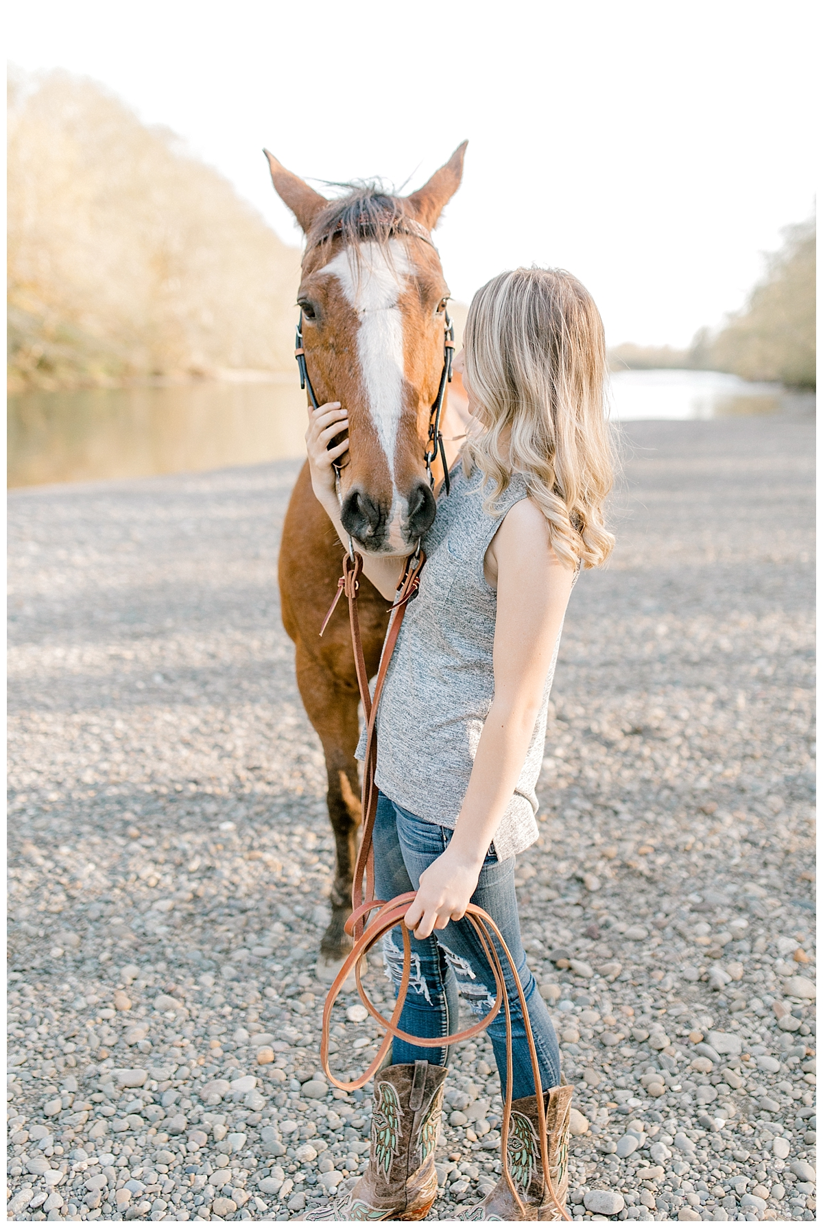 Sunset Senior Session with Horse | Senior Session Inspiration Session | Horse Photo Session | Pacific Northwest Light and Airy Wedding and Portrait Photographer | Emma Rose Company | Kindred Presets Riverside.jpg