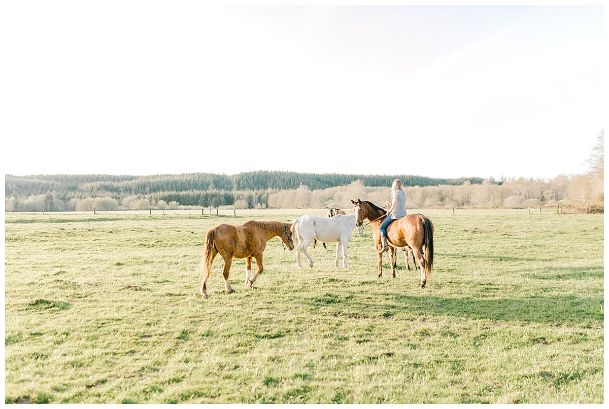 Sunset Senior Session with Horse | Senior Session Inspiration Session | Horse Photo Session | Pacific Northwest Light and Airy Wedding and Portrait Photographer | Emma Rose Company | Kindred Presets Senior Session Inspiration.jpg