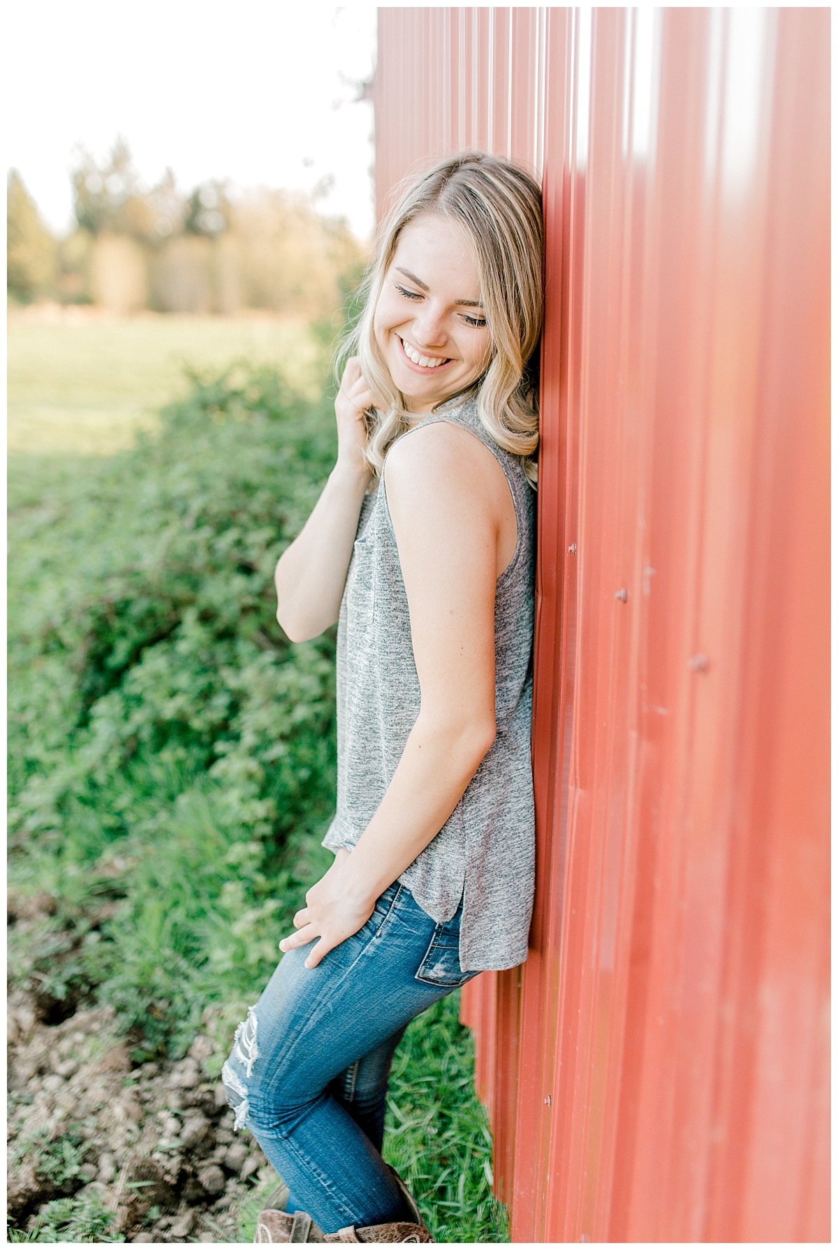 Sunset Senior Session with Horse | Senior Session Inspiration Session | Horse Photo Session | Pacific Northwest Light and Airy Wedding and Portrait Photographer | Emma Rose Company | Kindred Presets Senior.jpg