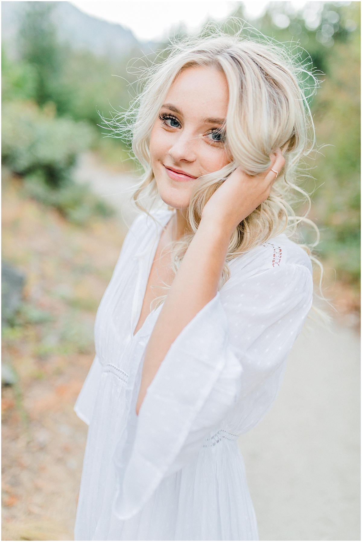 Emma Rose Company | Pacific Northwest Senior Portrait Photographer | Light and Airy Styled Senior Portraits | What to Wear to Senior Pictures | Kindred Presets | Seattle, Wenatchee and Portland Wedding and Portrait Photographer | Emma Rose27.jpg