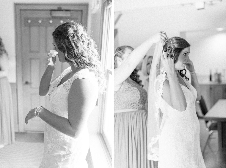 0000000000013_emmarosecompany_katiematt-9530_emmarosecompany_katiematt-2818_Photographer_PNW_House_Robinswood_Emma_Light_Airy_Company_Rose_and_Seattle_Wedding.jpg