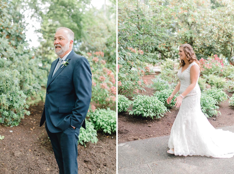 0000000000019_emmarosecompany_katiematt-2838_emmarosecompany_katiematt-2849_Photographer_PNW_House_Robinswood_Emma_Light_Airy_Company_Rose_and_Seattle_Wedding.jpg