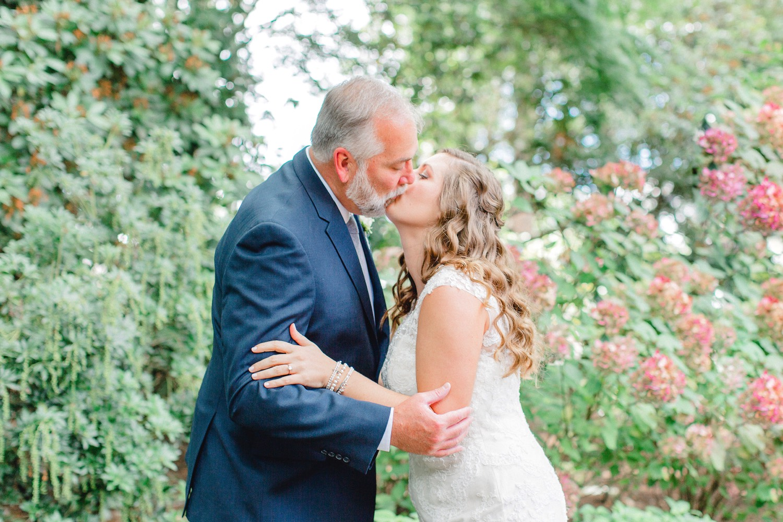 0000000000023_emmarosecompany_katiematt-9561-2_Photographer_PNW_House_Robinswood_Emma_Light_Company_Airy_Rose_and_Wedding_Seattle.jpg