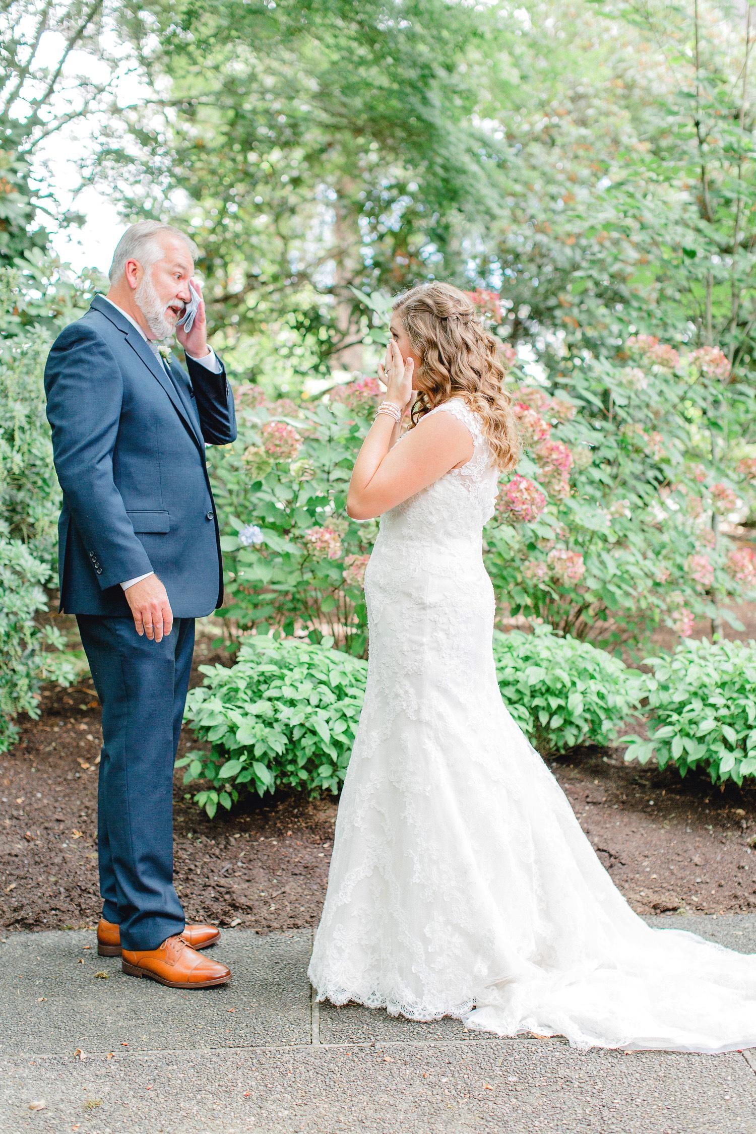 0000000000024_emmarosecompany_katiematt-9559_Photographer_PNW_House_Robinswood_Emma_Light_Company_Airy_Rose_and_Wedding_Seattle.jpg