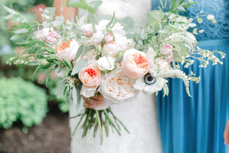 0000000000029_emmarosecompany_katiematt-3084_Photographer_PNW_House_Robinswood_Emma_Light_Company_Airy_Rose_and_Wedding_Seattle.jpg