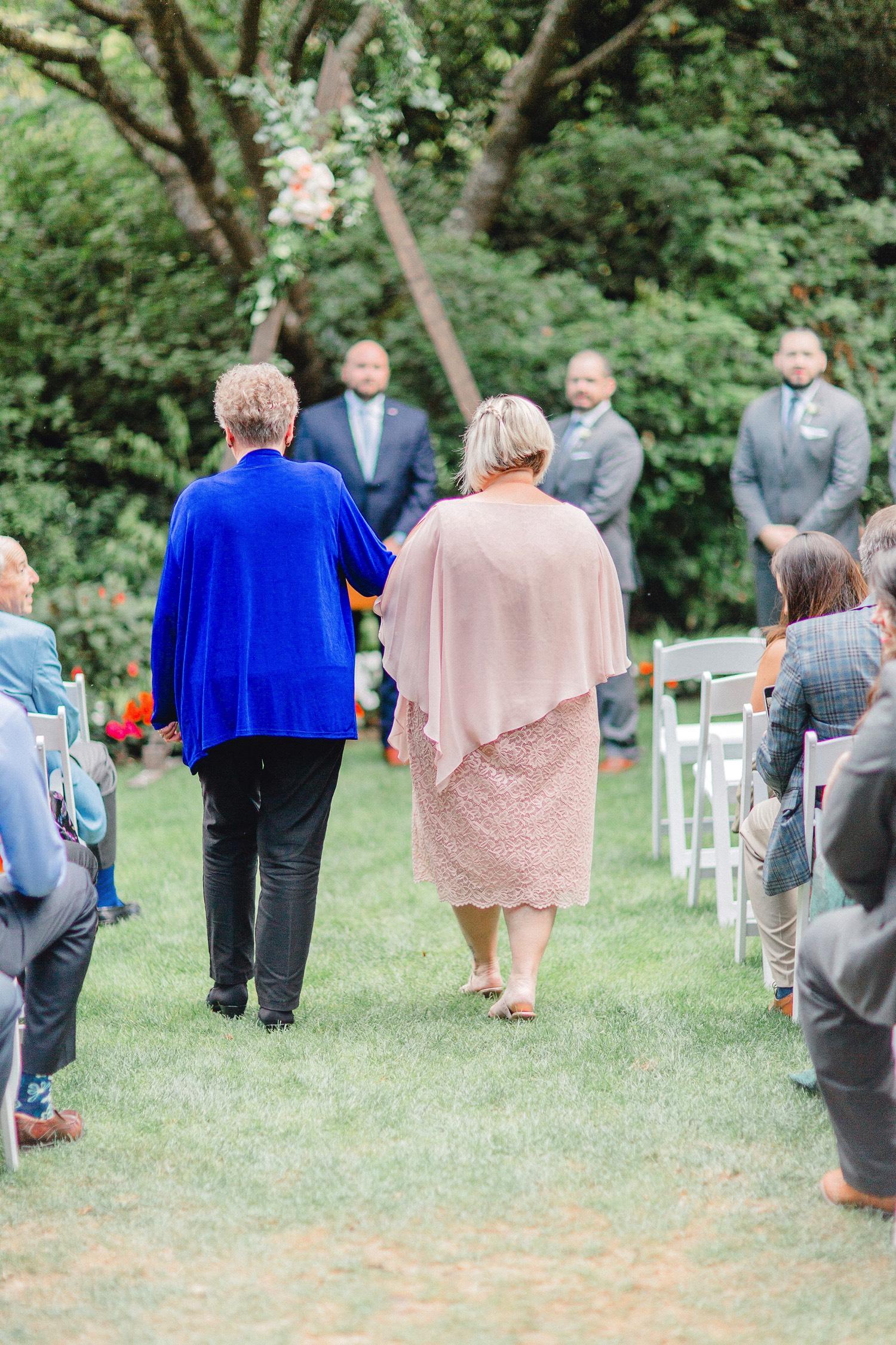 0000000000046_emmarosecompany_katiematt-7702_Photographer_PNW_House_Robinswood_Emma_Light_Company_Airy_Rose_and_Wedding_Seattle.jpg