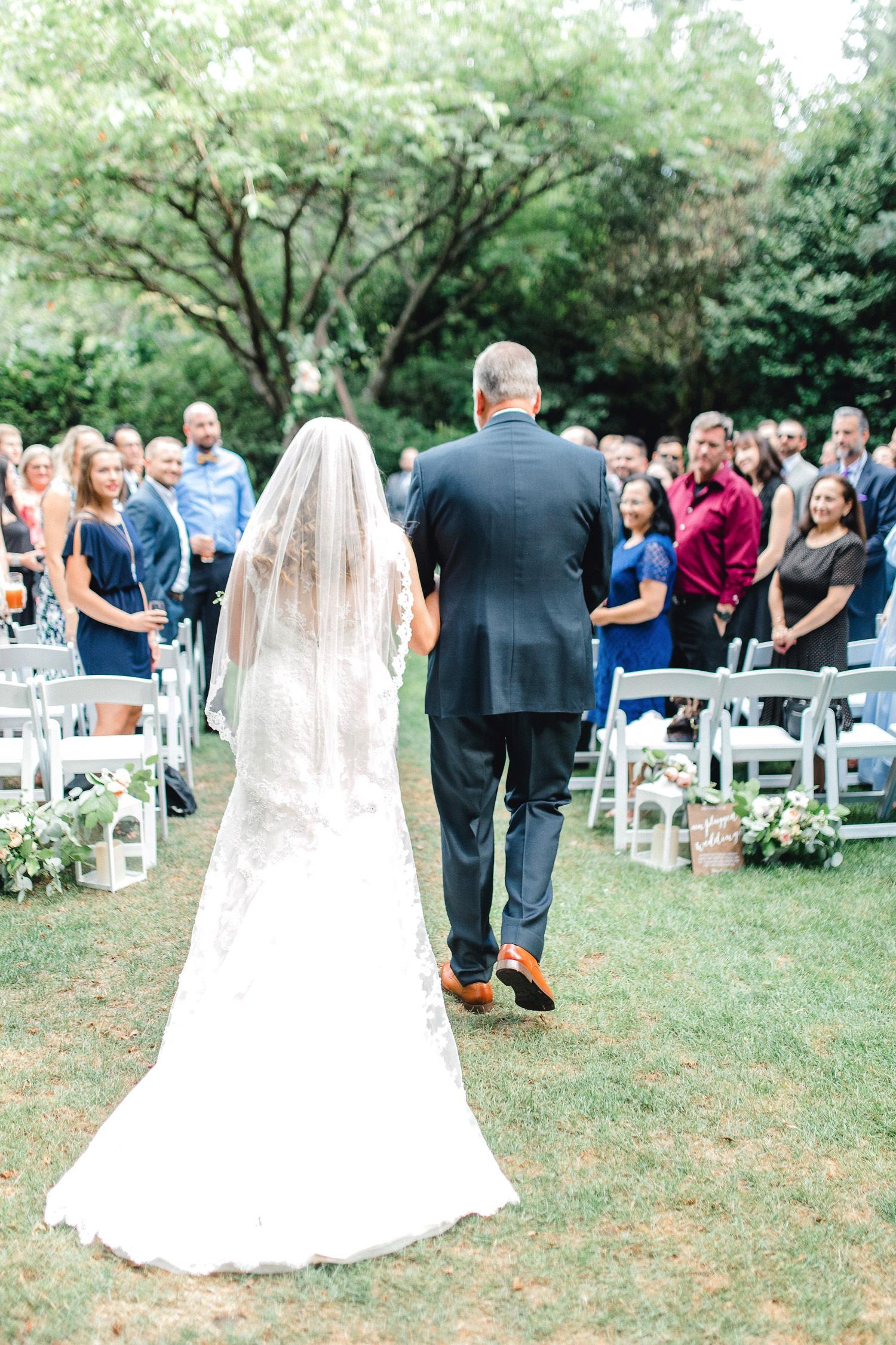 0000000000050_emmarosecompany_katiematt-3341_Photographer_PNW_House_Robinswood_Emma_Light_Company_Airy_Rose_and_Wedding_Seattle.jpg