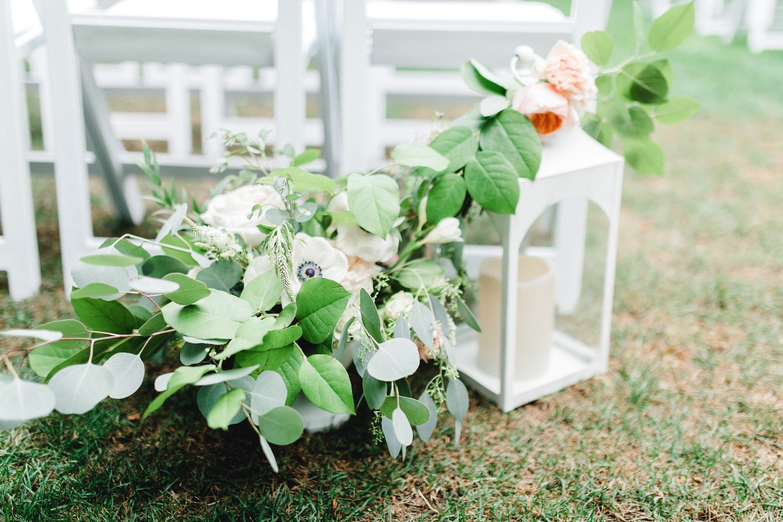 0000000000057_emmarosecompany_katiematt-3181_Photographer_PNW_House_Robinswood_Emma_Light_Company_Airy_Rose_and_Wedding_Seattle.jpg