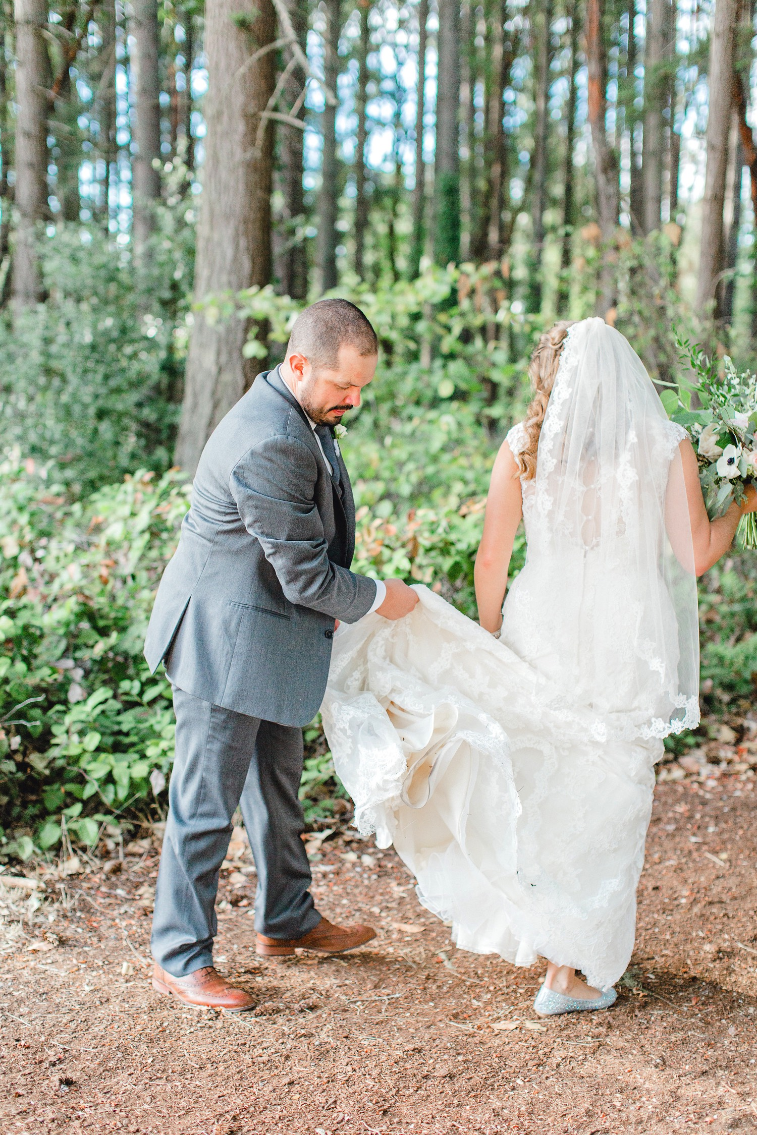 0000000000069_emmarosecompany_katiematt-9866_Photographer_PNW_House_Robinswood_Emma_Light_Company_Airy_Rose_and_Wedding_Seattle.jpg
