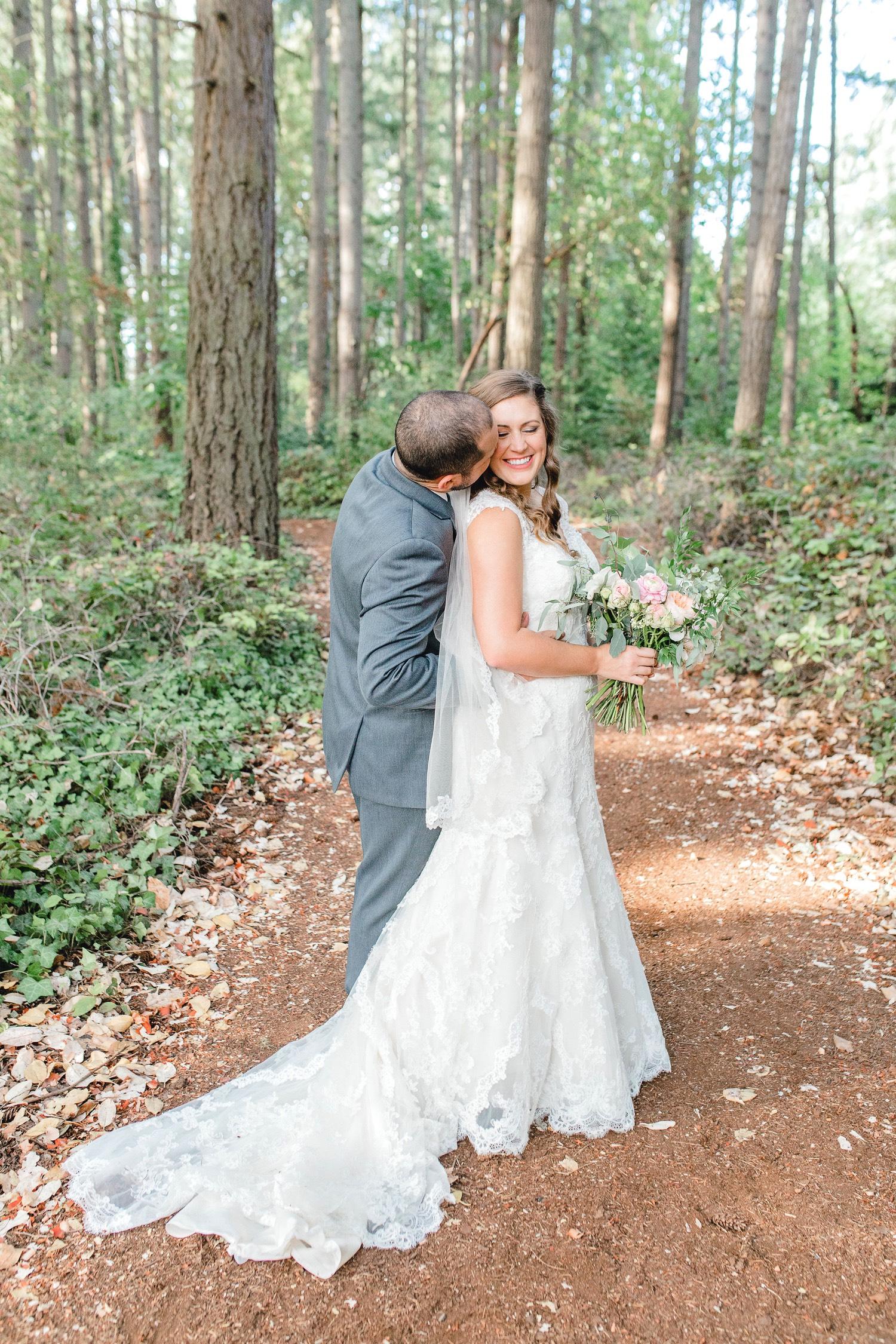 0000000000071_emmarosecompany_katiematt-3737_Photographer_PNW_House_Robinswood_Emma_Light_Company_Airy_Rose_and_Wedding_Seattle.jpg