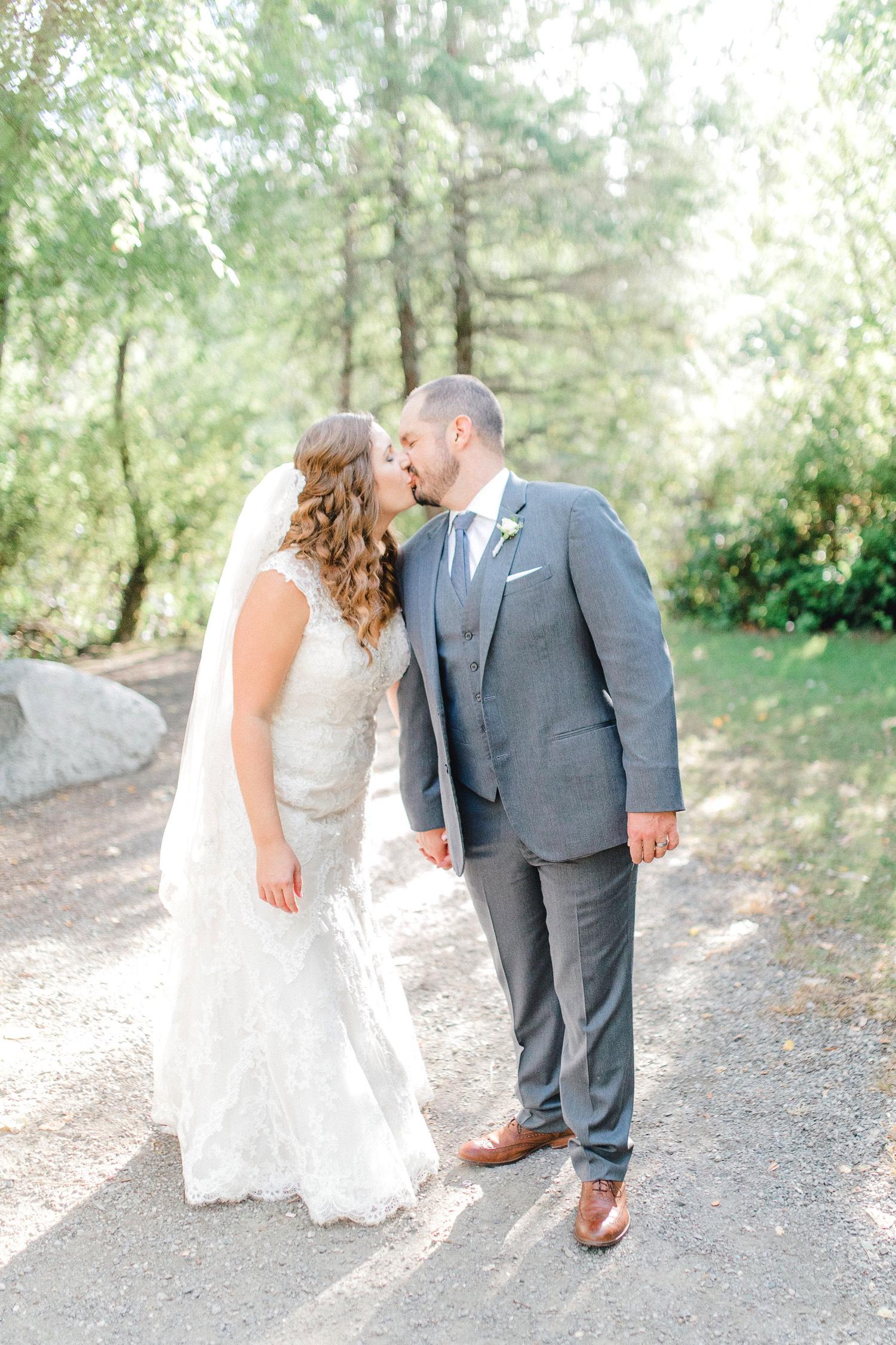 0000000000083_emmarosecompany_katiematt-4101_Photographer_PNW_House_Robinswood_Emma_Light_Company_Airy_Rose_and_Wedding_Seattle.jpg