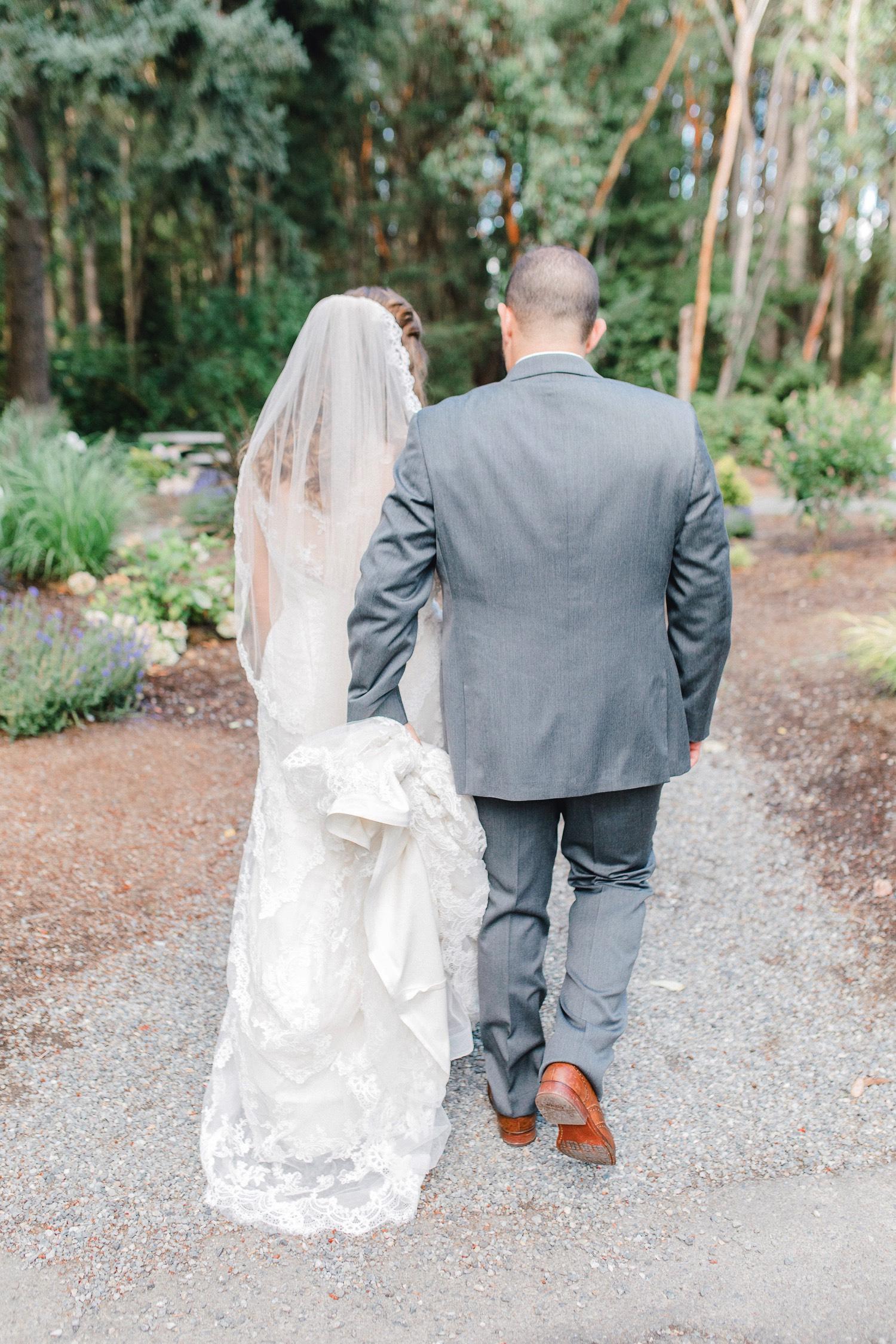 0000000000086_emmarosecompany_katiematt-2-49_Photographer_PNW_House_Robinswood_Emma_Light_Company_Airy_Rose_and_Wedding_Seattle.jpg