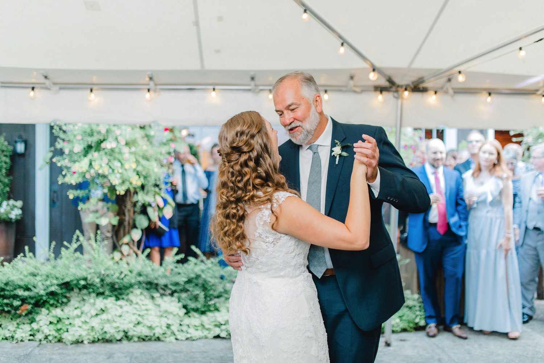 0000000000098_emmarosecompany_katiematt-4469_Photographer_PNW_House_Robinswood_Emma_Light_Company_Airy_Rose_and_Wedding_Seattle.jpg