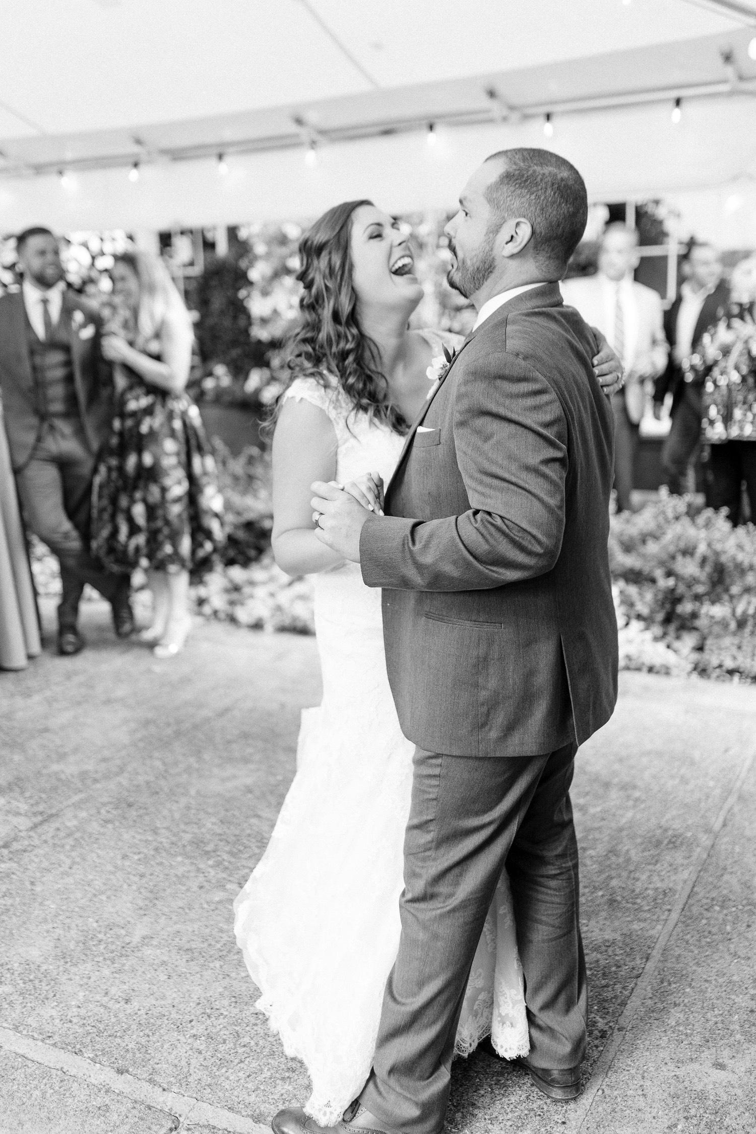 0000000000097_emmarosecompany_katiematt-4416_Photographer_PNW_House_Robinswood_Emma_Light_Company_Airy_Rose_and_Wedding_Seattle.jpg