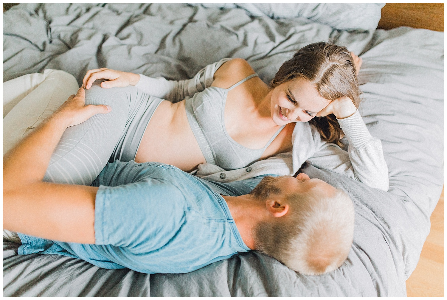 The Most Perfect In Home Maternity Lifestyle Photo Session | Pregnancy Goals | Emma Rose Company Seattle and Portland Wedding and Potrait Photographer | Dream Chasers Workshop_0024.jpg