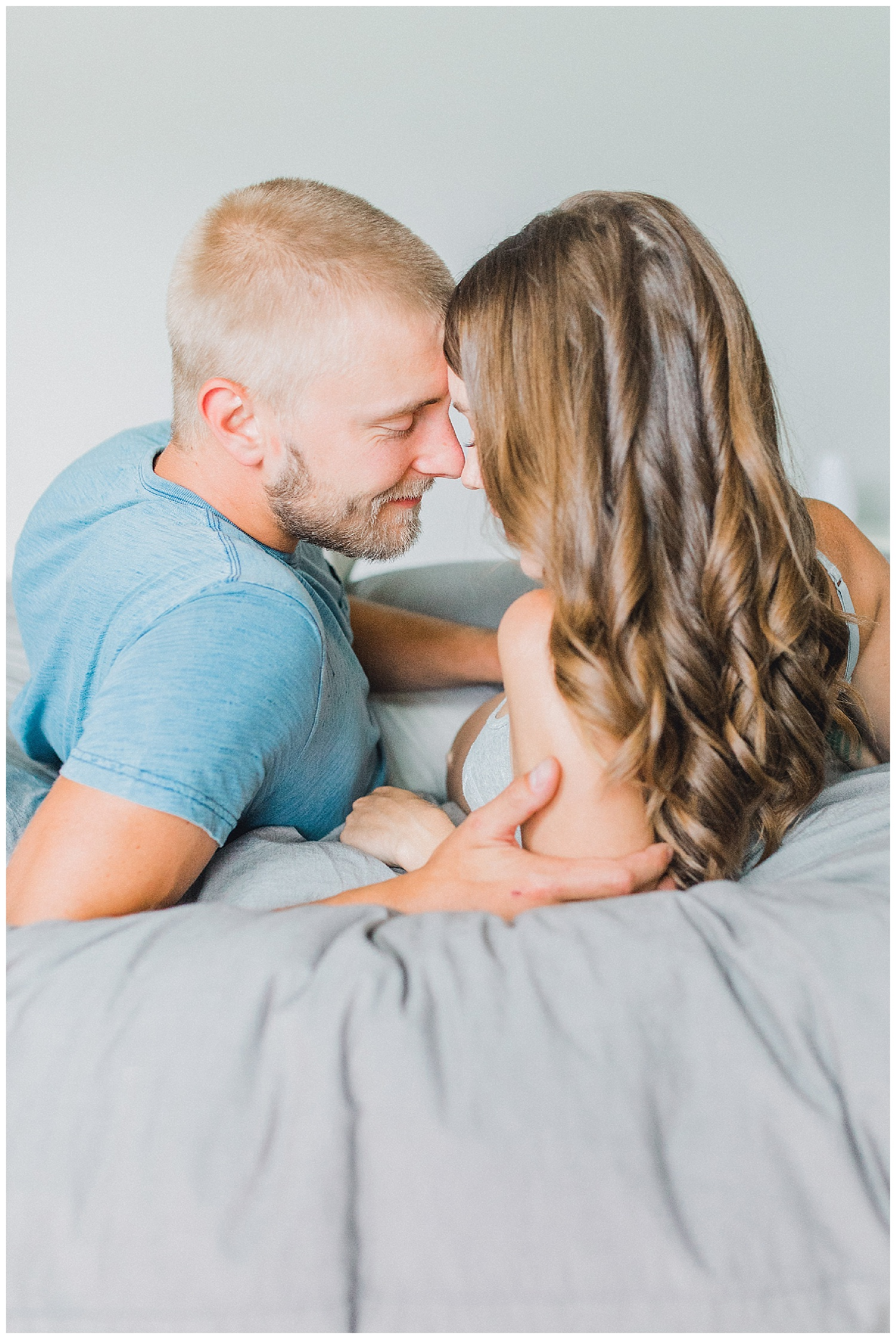 The Most Perfect In Home Maternity Lifestyle Photo Session | Pregnancy Goals | Emma Rose Company Seattle and Portland Wedding and Potrait Photographer | Dream Chasers Workshop_0026.jpg