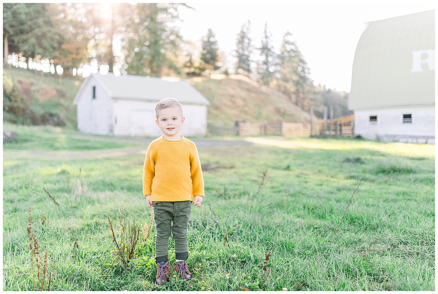 Dreamy Family Session on Rose Ranch | Pacific Northwest Family Session | Light and Airy Photographer | Emma Rose Company Seattle and Portland Wedding Photographer_0002.jpg